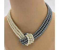 Halskette Perlen weiss grau